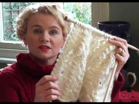 CHUNKY LACE SCARF KNITTING TUTORIAL - Free Lace Scarf Knitting Pattern With Video Guide - YouTube