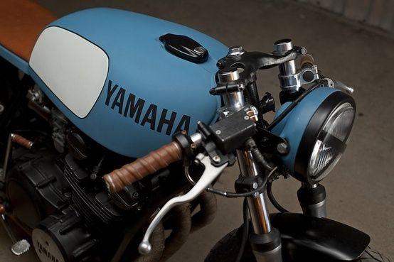blue yamaha cafe