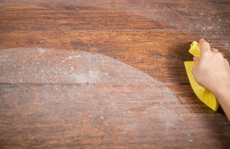 Un nettoyant magique pour un plancher en bois brillant
