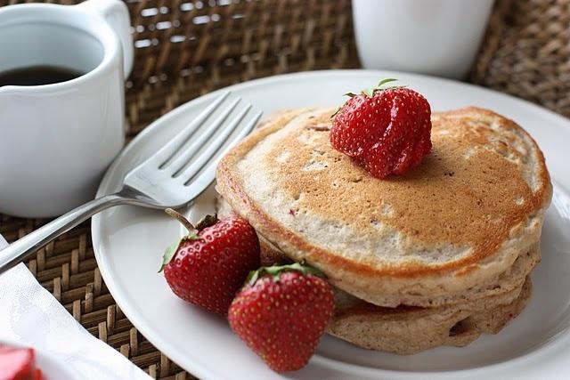 strawberry puree pancakes: Strawberry Pecan, Delicious Summer, Strawberries, Seasonal Ingredients, Food Free, Pecans, Fake Food, Summer Breakfast, Pecan Pancakes
