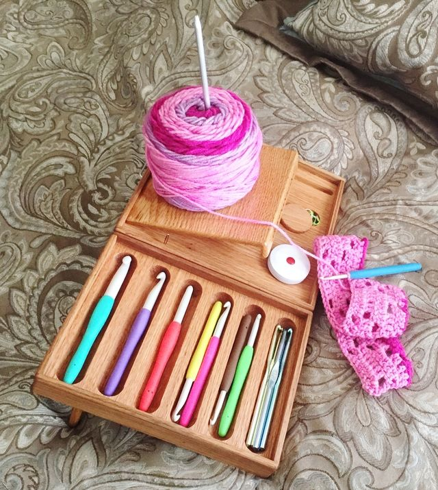 Check Out This Helpful Crochet Organizer for People Crafting in Bed - a simple, smart solution for common problems like losing hooks or having yarn fall of the bed while you work