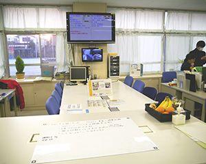 企業と連携し職場改善 話しやすい職員室づくりなど