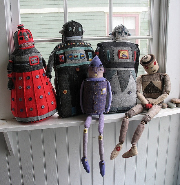 Amazing robots soft sculptures by Mimi Kirchner - ooooh, there's even a dalek!
