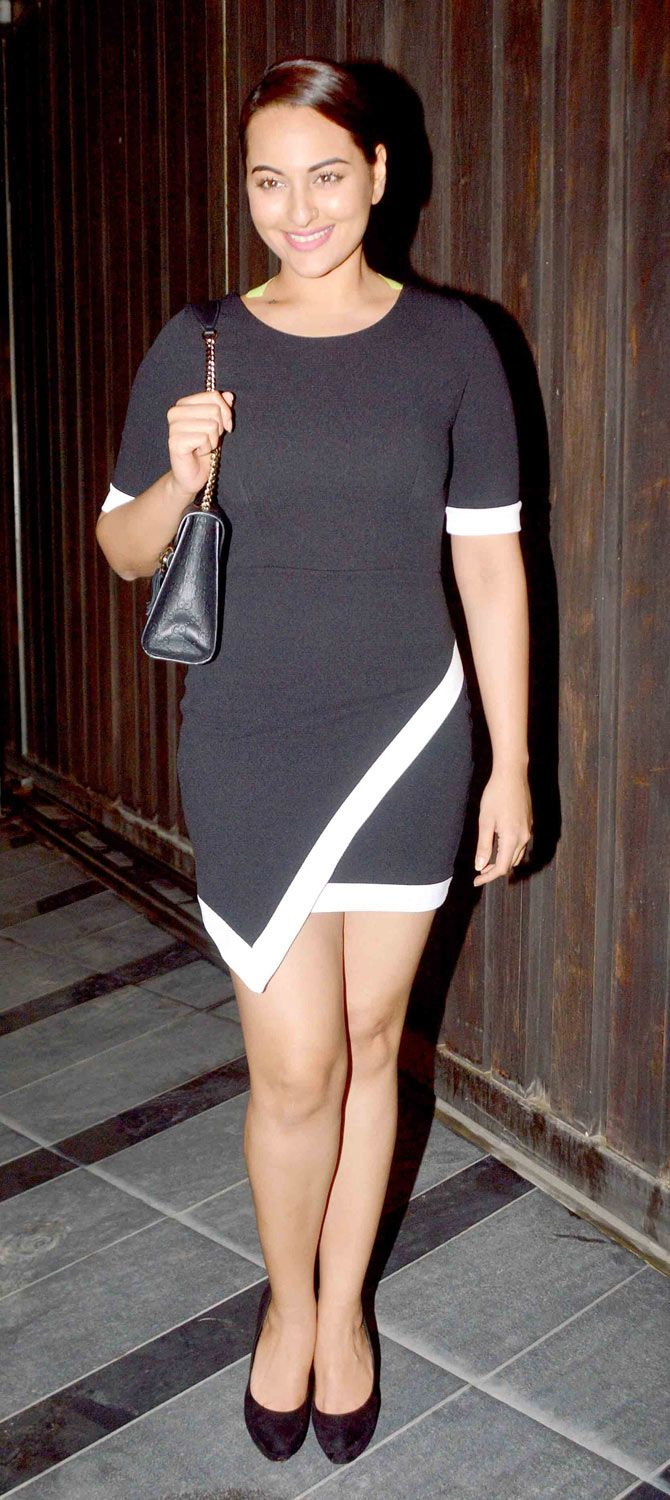 Sonakshi Sinha at Vikas Bahl's bash. #Bollywood #Fashion #Style #Beauty