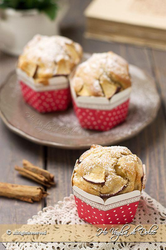Muffin alle mele e cannella, dolcetti americani veloci e facili da preparare. Sofficissimi e con tante mele. Una ricetta ideale per la colazione e merenda