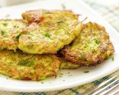 Galettes de courgettes à la feta (facile, rapide) - Une recette CuisineAZ