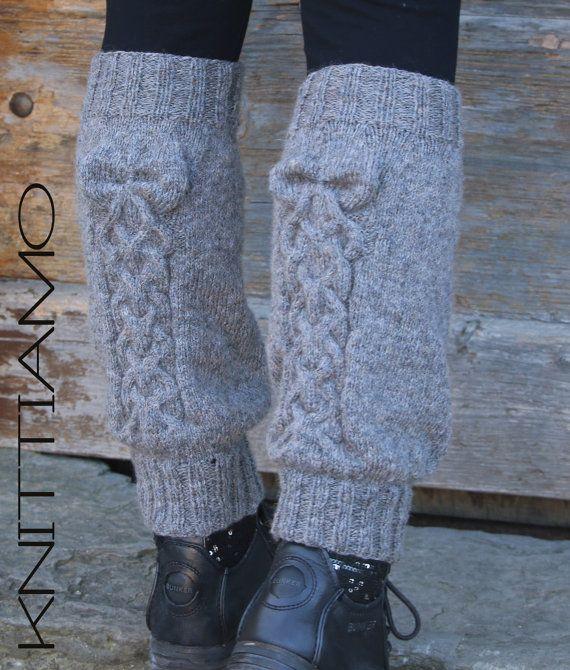 #knit #pattern #legwarmers #bow #braid #tutorial #etsy #knitting # knitted garment # fashion # schema #maglia #ferri #scaldamuscoli #fiocco #treccia #come fare #diy #spiegazioni #boot cuff #knittiamo