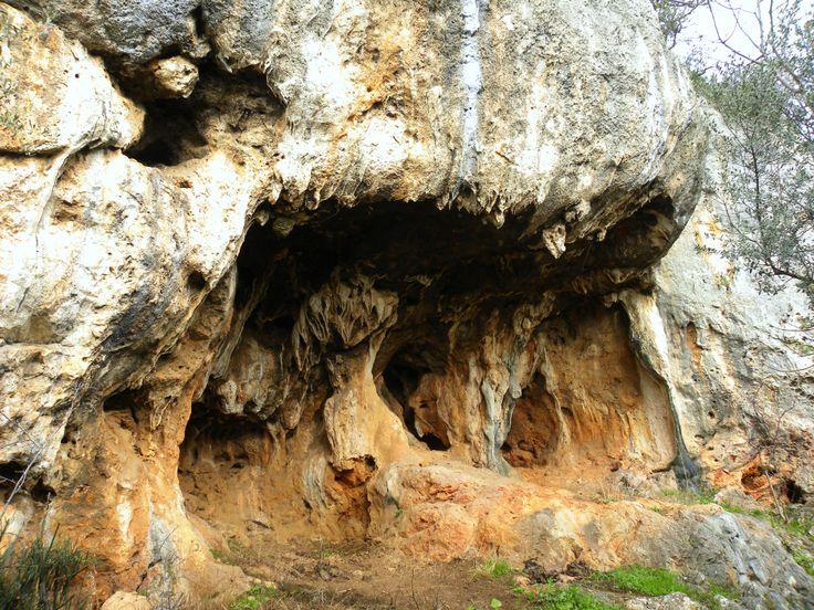 Grotta concrezionata,Castel Pagano-Apricena!