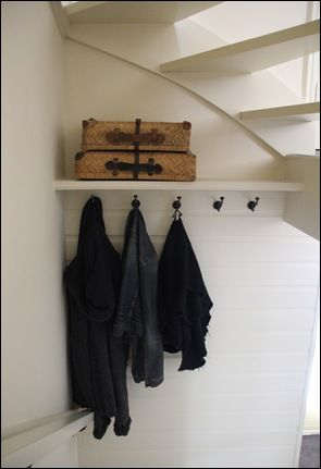 Kapstok onder de trap interieur pinterest - Decoratie interieur trap ...