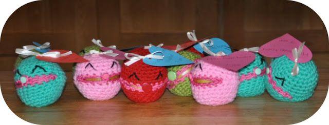 Grietjekarwietje: Gehaakte appel-hoesjes (crochet apple cozy)