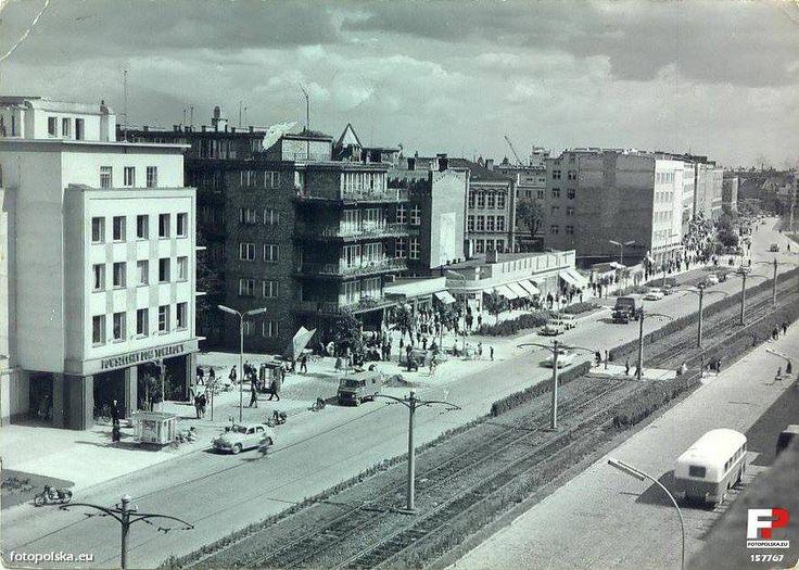"""Galeria CENTRUM (DT Centrum """"Neptun"""", Powszechny Dom Towarowy NEPTUN), Gdańsk - 1964 rok"""