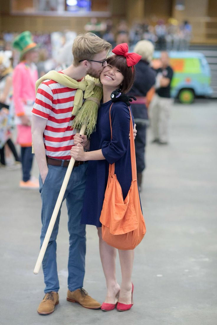 Kiki's Delivery Service Cosplay - Kiki and Tombo
