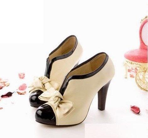 Beige Bow Pump Shoes.  Cute!