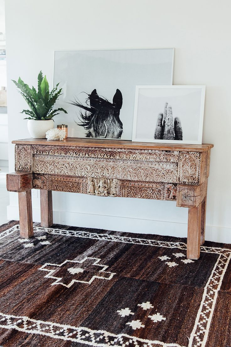 Pampa Monte Neutral rug handmade in Argentin and Pampa Horse and Pampa cactus prints. Photo: Victoria Aguirre. Styled by Courtney Reeman