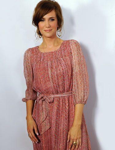 love Kristen Wiig's hair and dress
