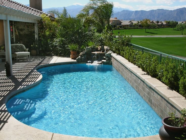 Best 25 small backyard pools ideas on pinterest small for Small backyard swimming pool designs