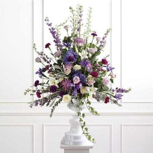 Flowers On A Beach Wedding Altar: Best 25+ Altar Flowers Ideas On Pinterest