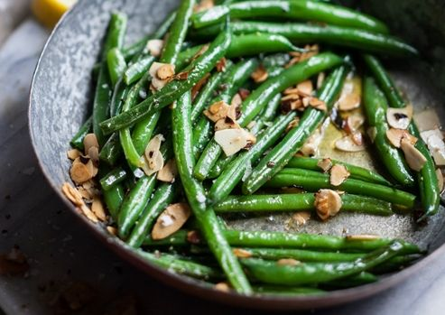 Green Beans with Toasted Almonds and Lemon Butter