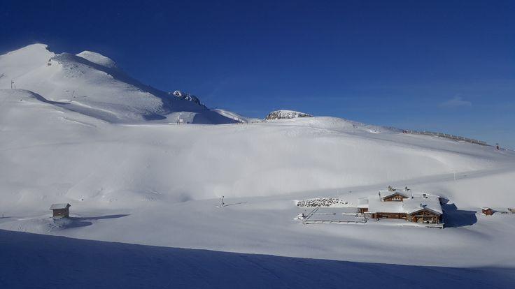 Zona de Toura, en Les Deux Alpes, estación de esquí en Francia. Entra en Esquiades.com y descubre toda la información sobre Les Deux Alpes: webcams, estado de pistas, previsión del tiempo, ¡y más!