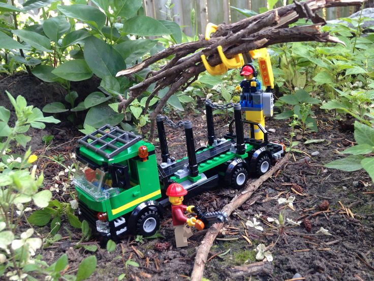 minifigureking.com #Lego Loggers hard at work.