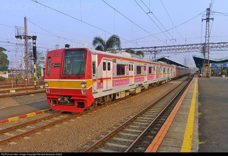 Commuter Line from Bogor to Jakarta Kota arrived at Manggarai Station