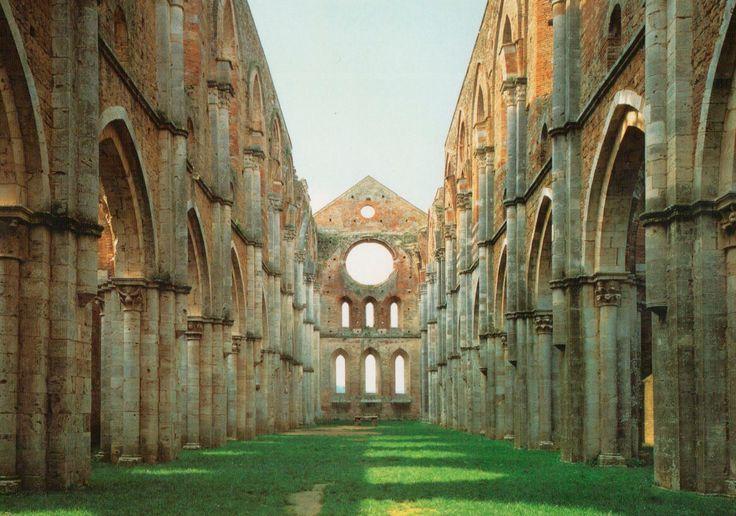 - Buoni edifici produrranno meravigliose rovine - Louis Khan  In fotografia L'Abbazia di San Galgano (SI)