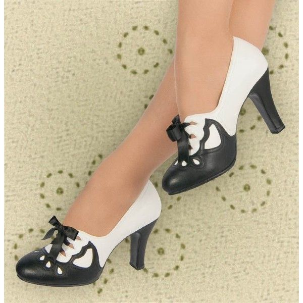 Aris Allen Women's 1930s Black and Ivory Lace-up Heeled Oxford Shoes... ($40) ❤ liked on Polyvore featuring shoes, vintage shoes, suede oxford shoes, laced up shoes, vintage lace up shoes and suede lace up shoes