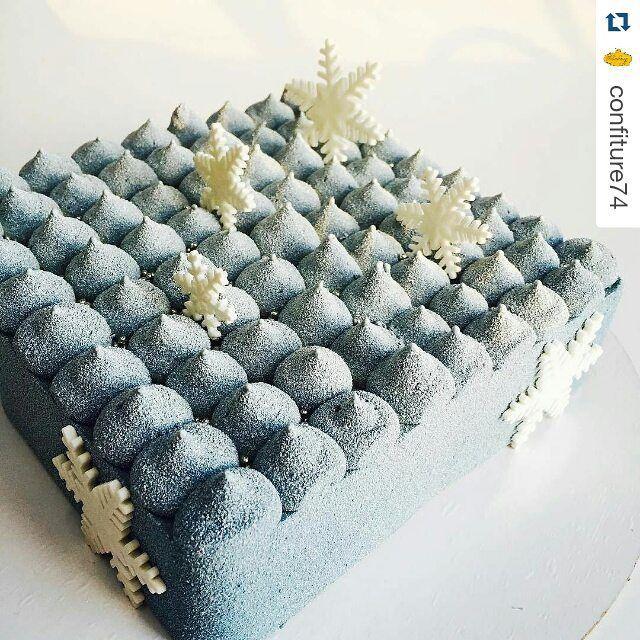 #Repost @confiture74 with @repostapp ・・・ Новогодний декор торта Карамель-мокко, рецепт @vera_nika37 ❄️