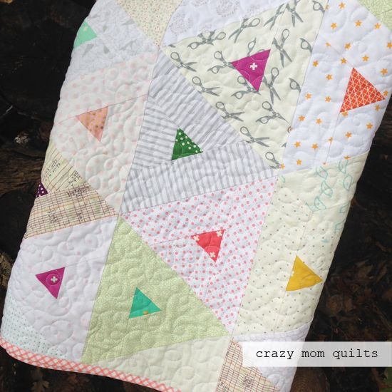 Welcome to finish it up Friday!   I spent a lot of timeon my sewing machine this week and it was good! My trendy triangles quilt is now co...