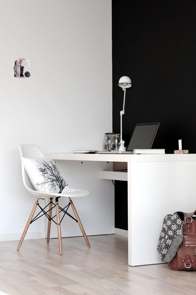 Malm table from Ikea bonje boganes: flere bilder fra arbeidskroken i stua