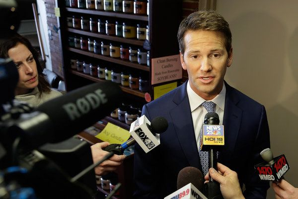 Aaron Schock, a Lawmaker Used to Attention, Draws a Little More Than He Wanted - NYTimes.com