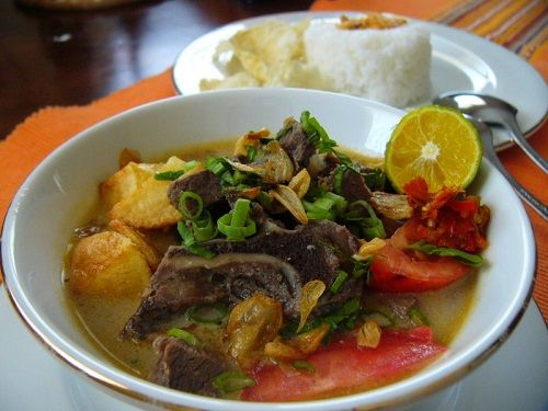 Soto Tangkar is a Betawi specialty soto made of chopped cow's ribs (Betawi:tangkar) and beef brisket cooked in coconut milk soup spiced with turmeric, garlic, shallot, chili, pepper, candlenut, caraway, galangal, coriander, cinnamon, Indonesian bay-leaf and lemon leaf. http://www.goindonesia.com/id/indonesia/jawa/jakarta/makanan/sajian-kuliner-khas-betawi
