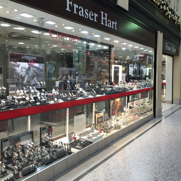 Our largest Argyll Arcade, Glasgow store has been decked out with our 'Capture Christmas' campaign. Encrusted with snowflakes and wrapped with a bow, pop in for the V.I.P treatment whilst ticking those essentials off your Christmas list. http://www.fraserhart.co.uk/ustorelocator/location/map/