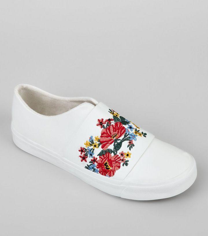 Tennis blanches avec fleurs brodées | New Look