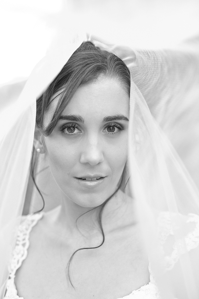 Black and white beautiful bride taken by Veronique-Photography