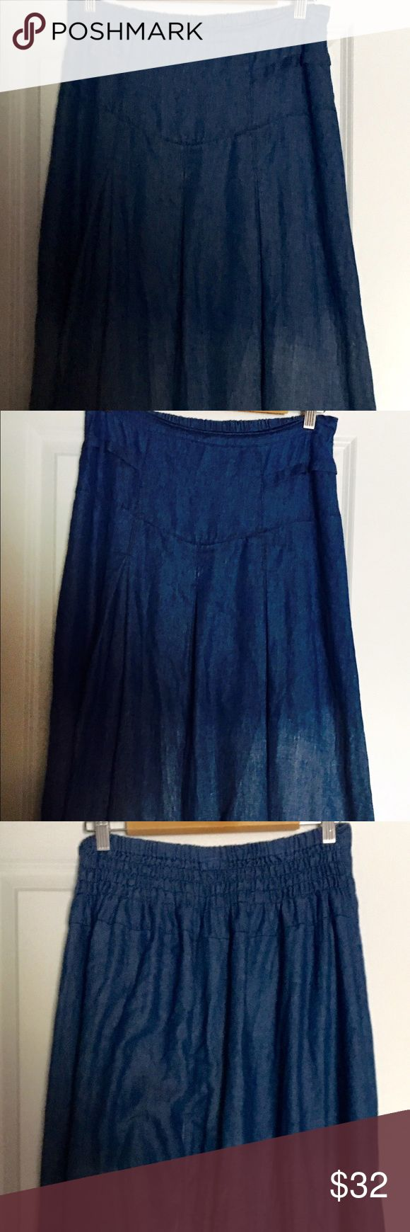 Adorable faded jean prairie skirt sz 14/16 So cute! Cotton material that looks like faded jeans...an adorable prairie skirt with pockets and a 3 flat pleats on front and back - super figure flattering!!! Very generous size L, more like a true 14/16. Skirts Maxi