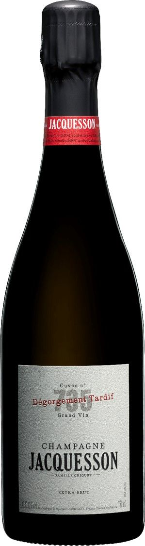 JACQUESSON Cuvée N° 735 Dégorgement Tardif 14,704 bottles and 758 magnums were kept on their lees and underwent a Late Disgorgement in November 2015.  In the 2007 season, both winter and spring were mild and rainy, whilst summer was cold with frequent storms until 25th August when good weather set in. The Chardonnays were fine, complex and mineral, whilst the Pinots were more mixed. The blend was 47%  In der Schweiz bei Zürcher-Gehrig AG - www.the-champagne.ch