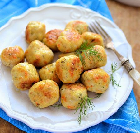 Indiferent ca le preparam ca aperitiv, fel principal de mancare, ori pentru o cina copioasa, delicioasele Chiftelute din carne de curcan cu