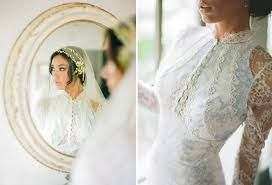 toile print wedding dress!!! no lacy sleeves..