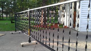 Rimerules We Made Our Own Driveway Gate And Pet Fence