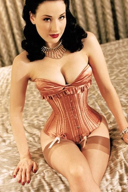 Natasha Bailie Vintage Clothing Company Blog: Dita Von Teese Launches Lingerie for all Cups!This is the look I want for pictures