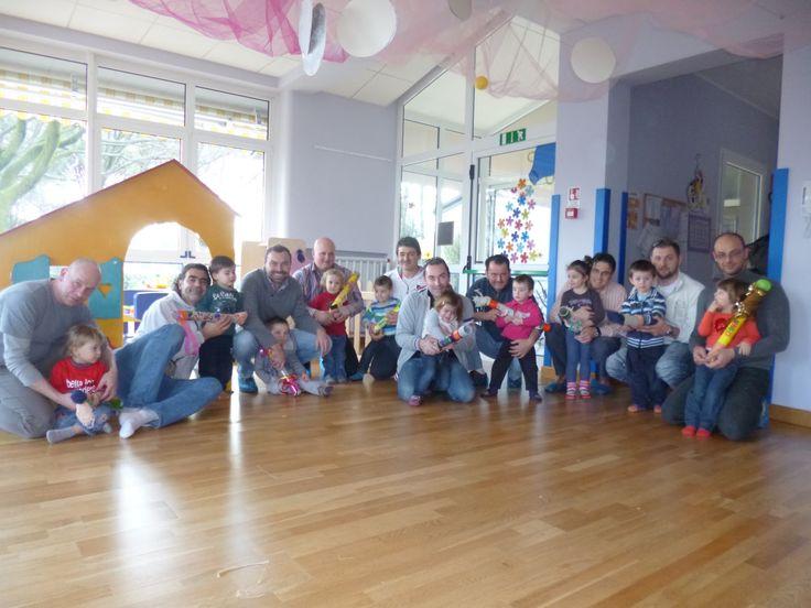 Letture per genitori: Papà al nido - Come far giocare insieme papà e bambini