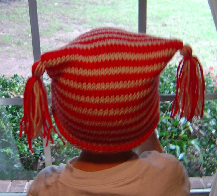 It would be SO easy to DIY this hat with an old sweater. I'm offcially on the hunt for pink knits!