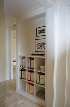 Organized mudroom, Organized mudroom inspiration from Remodelaholic.com #mudroom