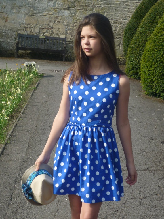 foto de Casual and cute summer dress it just needs a white little