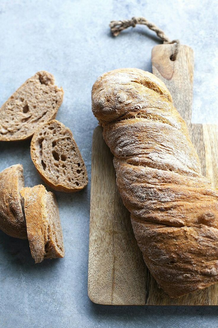Teljes kiőrlésű házi kenyér