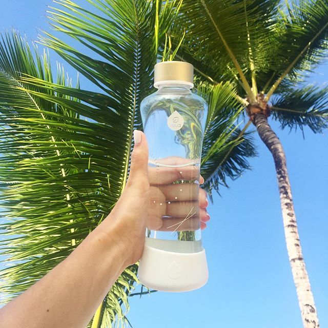 Make sure you have a stylish reusable bottle with you while traveling! Stay hydrated in style ;)