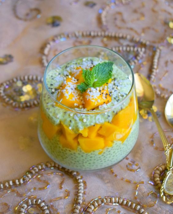 Vegan Mango Matcha Chia Pudding Recipe: flavorful, healthy & quick breakfast or snack that's filled with delicious flavors of mango, coconut, & matcha.