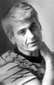 Mészöly Miklós Kossuth-díjas író, a Digitális Irodalmi Akadémia egyik alapítója. 1921. január 19-én látott napvilágot Szekszárdon Molnár Miklós néven, csak 1948-ban vette fel a Mészöly családnevet