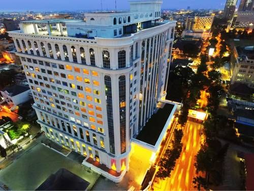 Adimulia Hotel Managed by Topotels Medan Adimulia Hotel Managed by Topotels offers accommodation in Medan, 1.7 km from Maimun Palace. Guests can enjoy buffet and a la carte menu at the on-site restaurant and coffee shop.